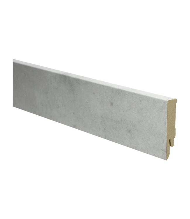 beton licht rechte hoge plint voor laminaat, pvc en parket