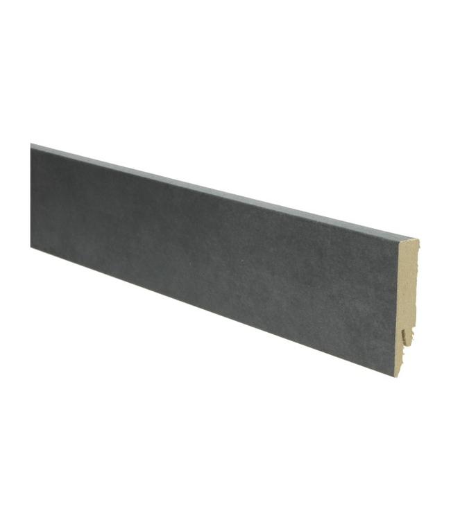 leem donker rechte hoge plint voor laminaat, pvc en parket