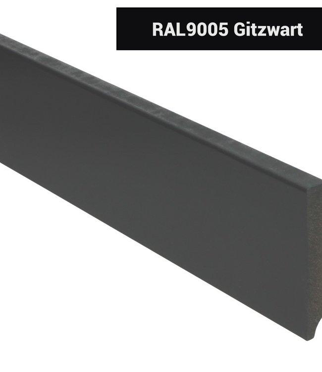 Moderne rechte plint RAL 9005 zwart