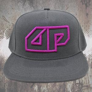 Snapback CAP - 3D geborduurd Deepack logo - magenta op grijs