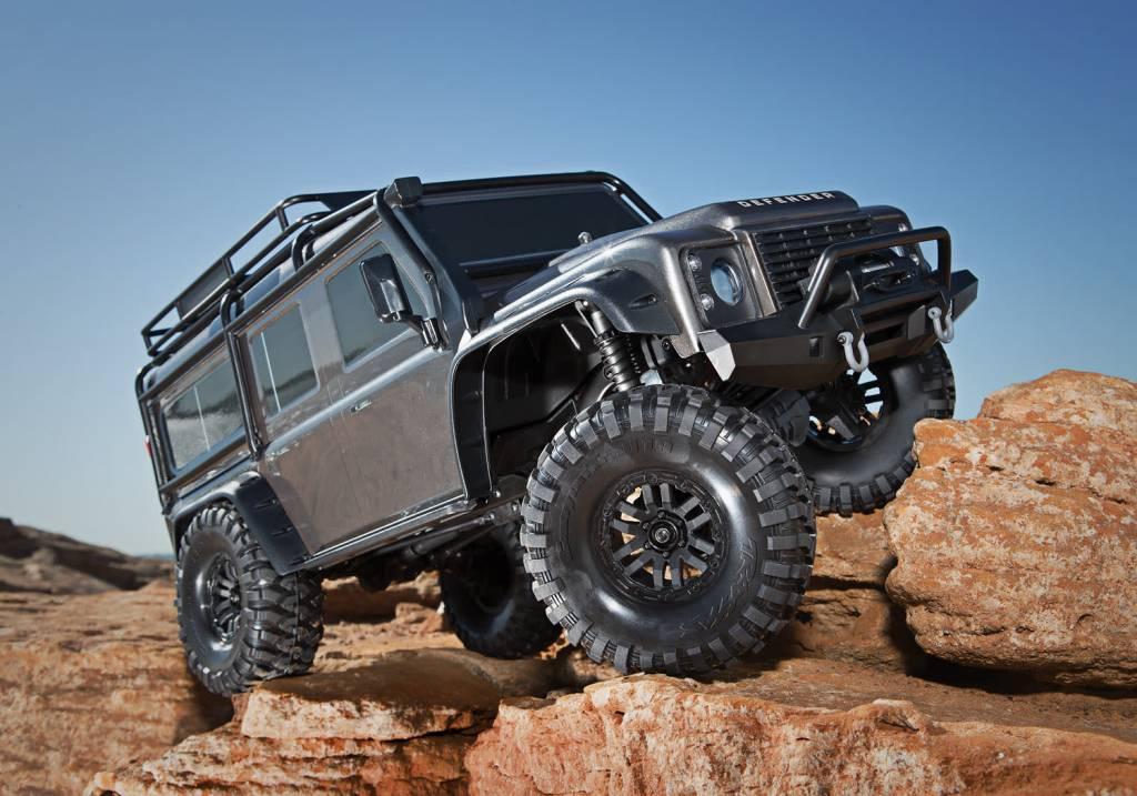 Traxxas Land Rover Defender Crawler Silver TRX82056-4S-12