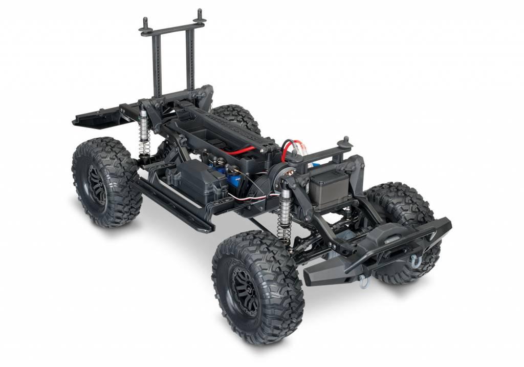 Traxxas Land Rover Defender Crawler Silver TRX82056-4S-9