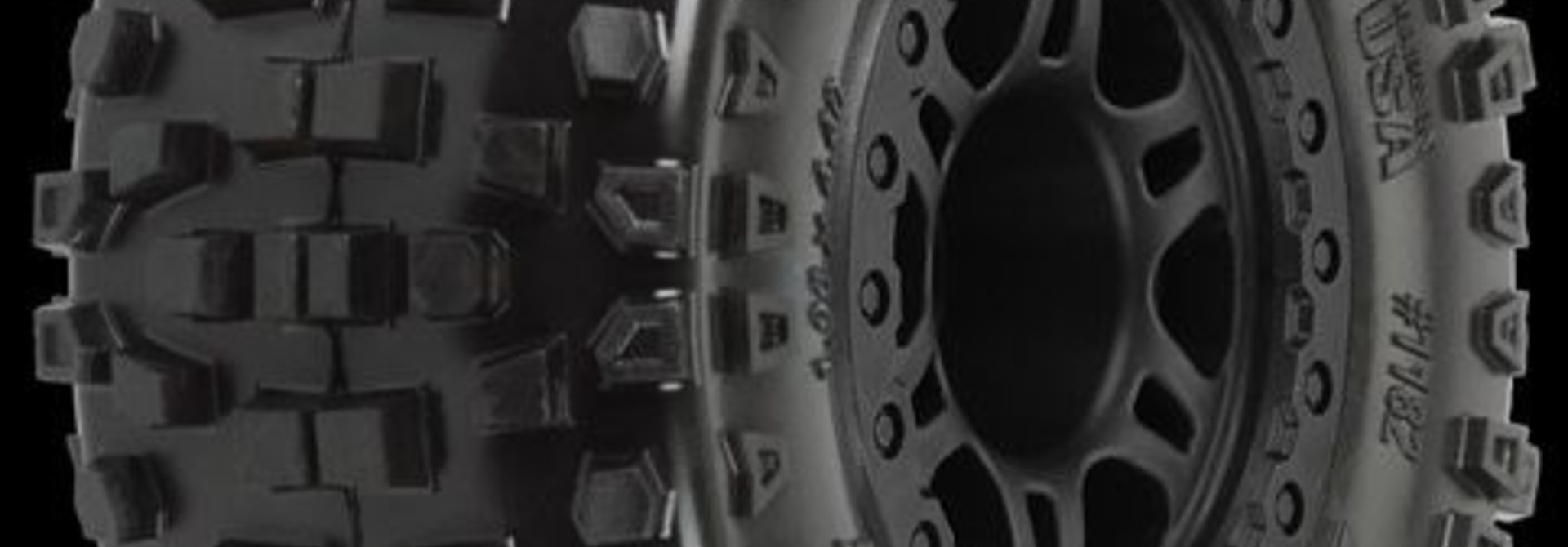 Badlands SC 2.2/3.0 M2 (Medium) Tires Mounted on Split Six B, PR1182-21