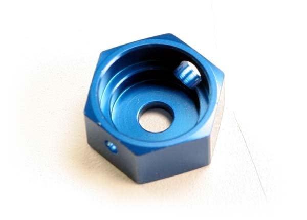Brake adapter, hex aluminum (blue) (for T-Maxx steel constan, TRX5165-3