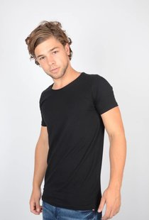 Basic Black Body Slim Fit