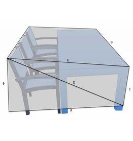 Bootzeil Tisch mit Stühlen auf einer Seite