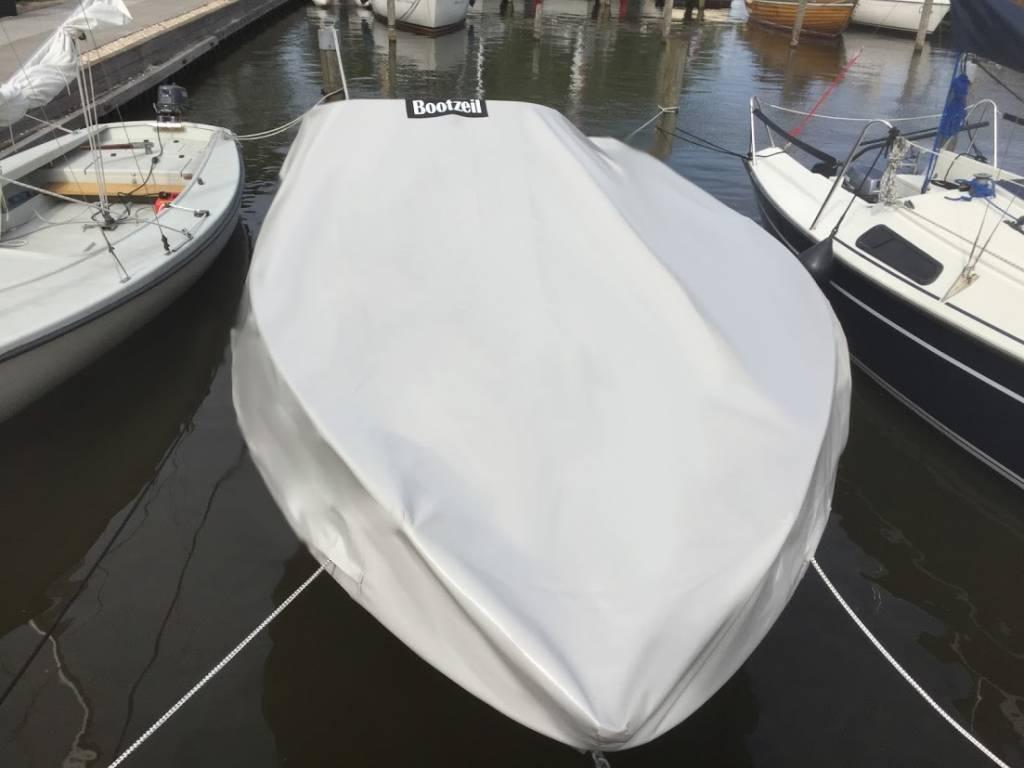Abdeckplane Bayliner Deckboat 215