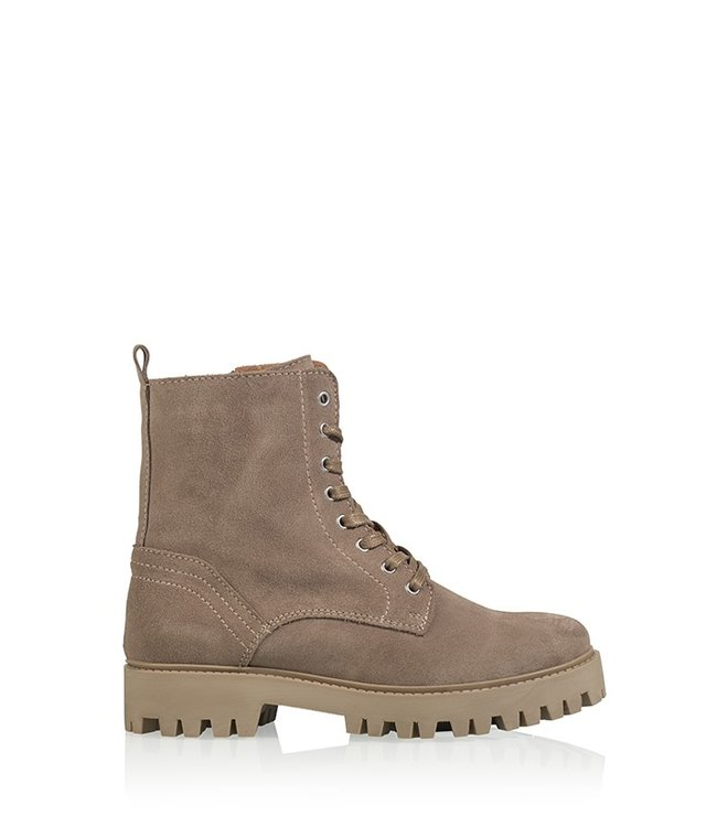 Stanley suede boots