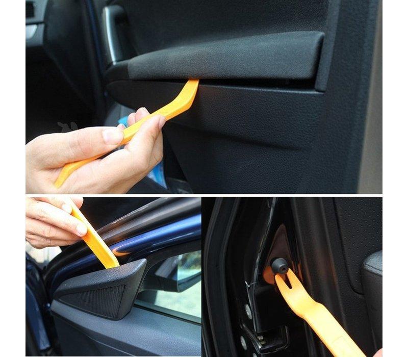 Tool Kit for dismantling interior trim / door trim