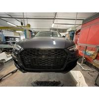 RS4 Look  vordere Stoßstange für Audi A4 B9