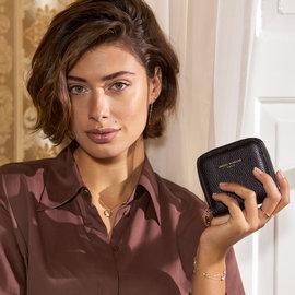 Isabel Bernard Honoré Jules schwarze Brieftasche mit Reißverschluss aus Kalbsleder