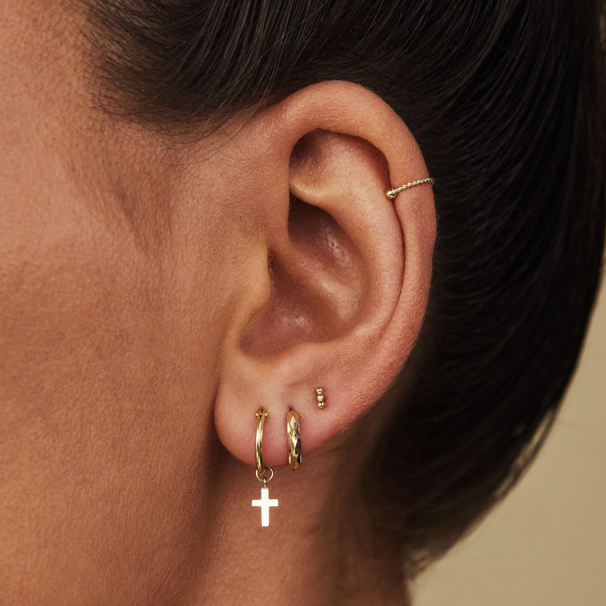 Isabel Bernard Rivoli Claire clous d'oreilles en or 14 carats