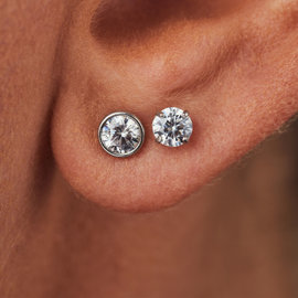 Isabel Bernard Saint Germain du Four 14 karat white gold ear studs with zirconia
