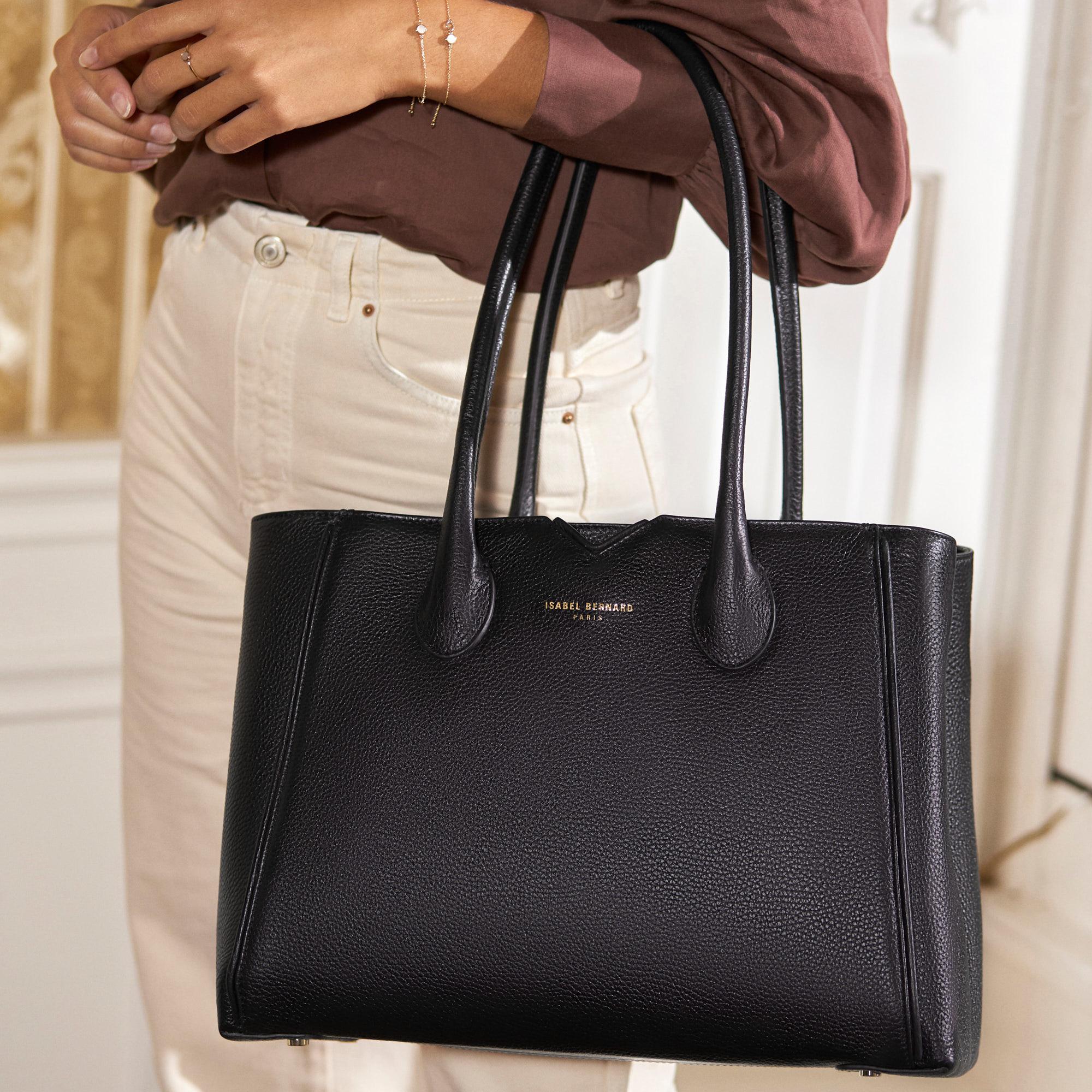 Isabel Bernard Honoré Cloe black calfskin leather handbag