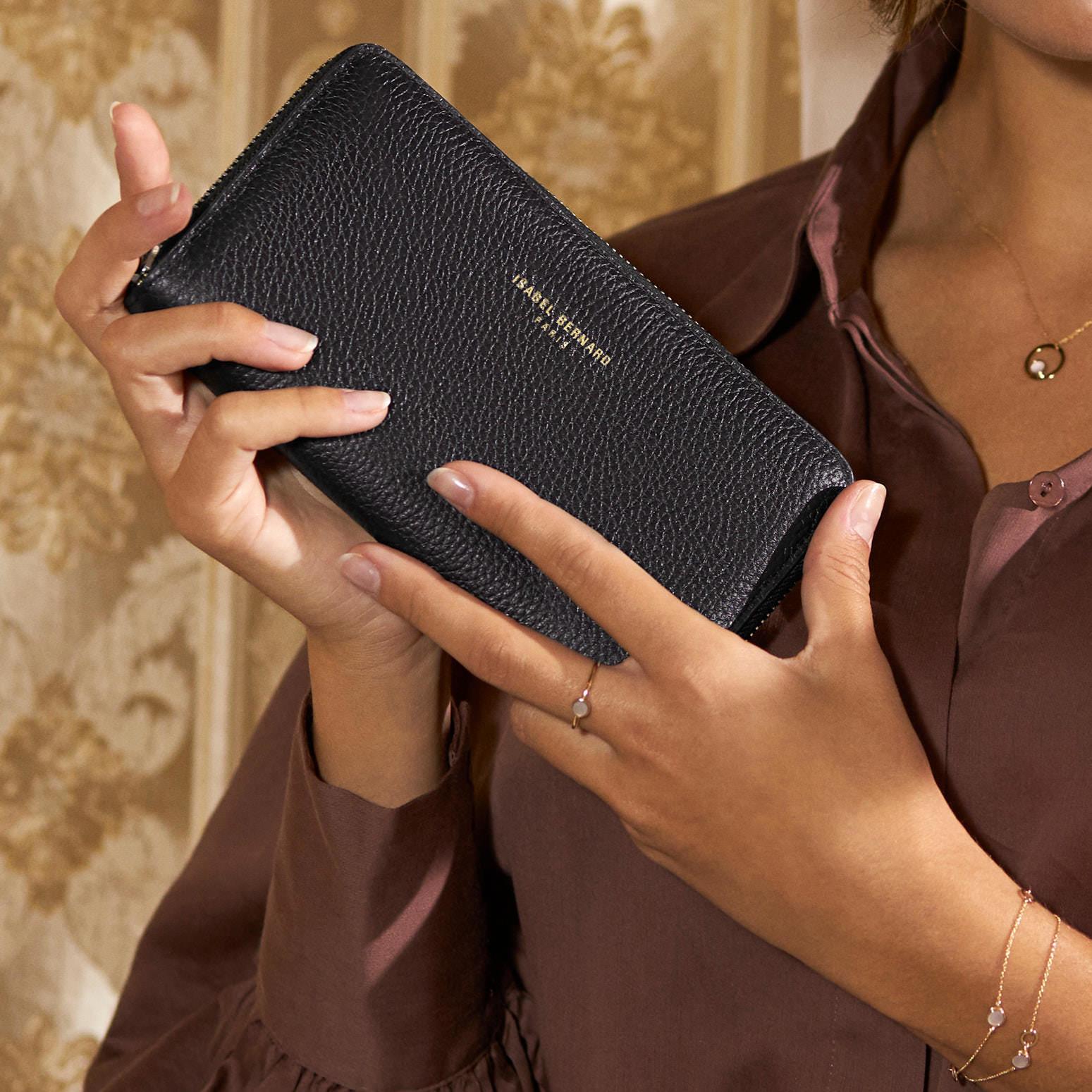 Isabel Bernard Honoré Léa schwarze Brieftasche mit Reißverschluss aus Kalbsleder