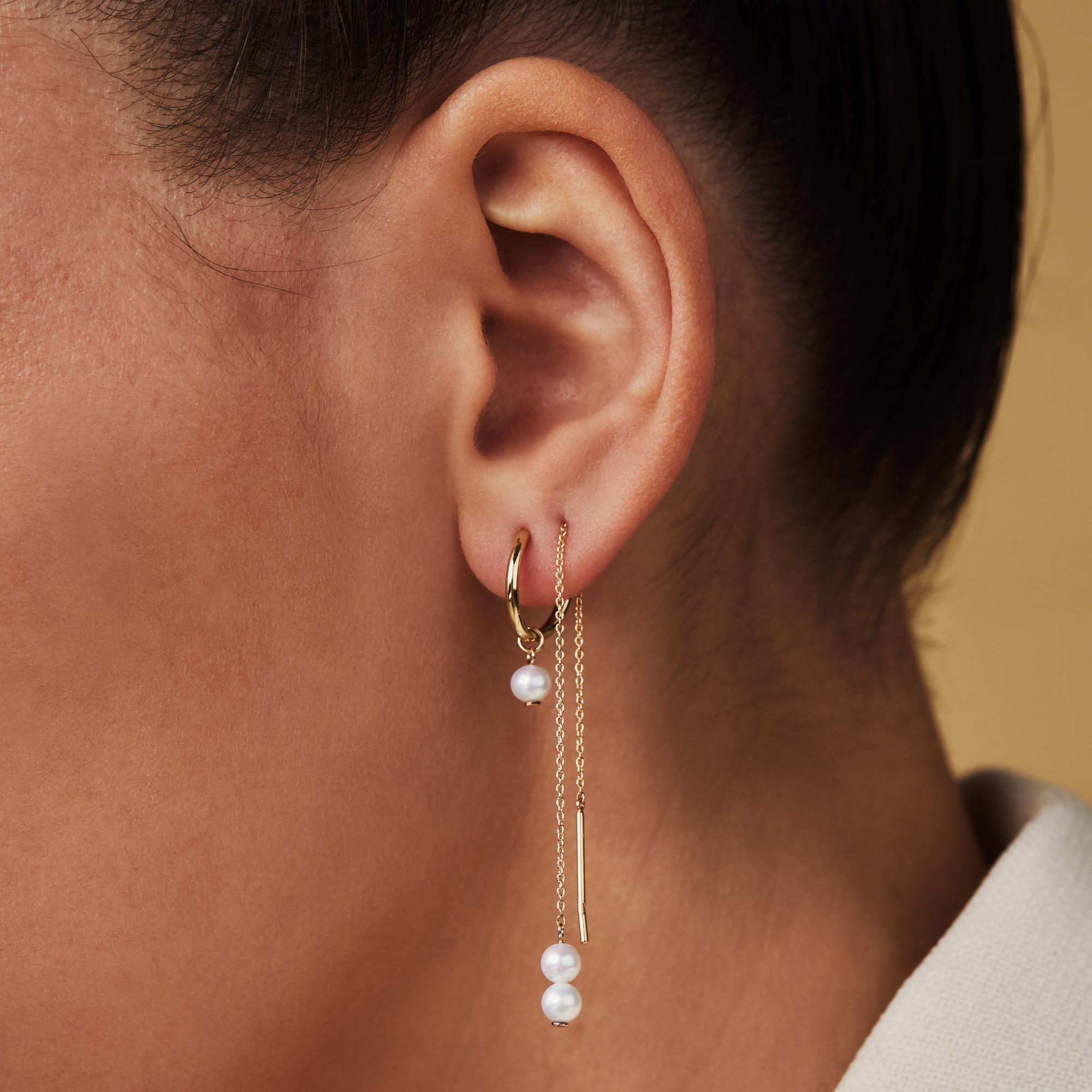 Isabel Bernard Belleville Luna 14 karaat gouden oorbellen met zoetwaterparel