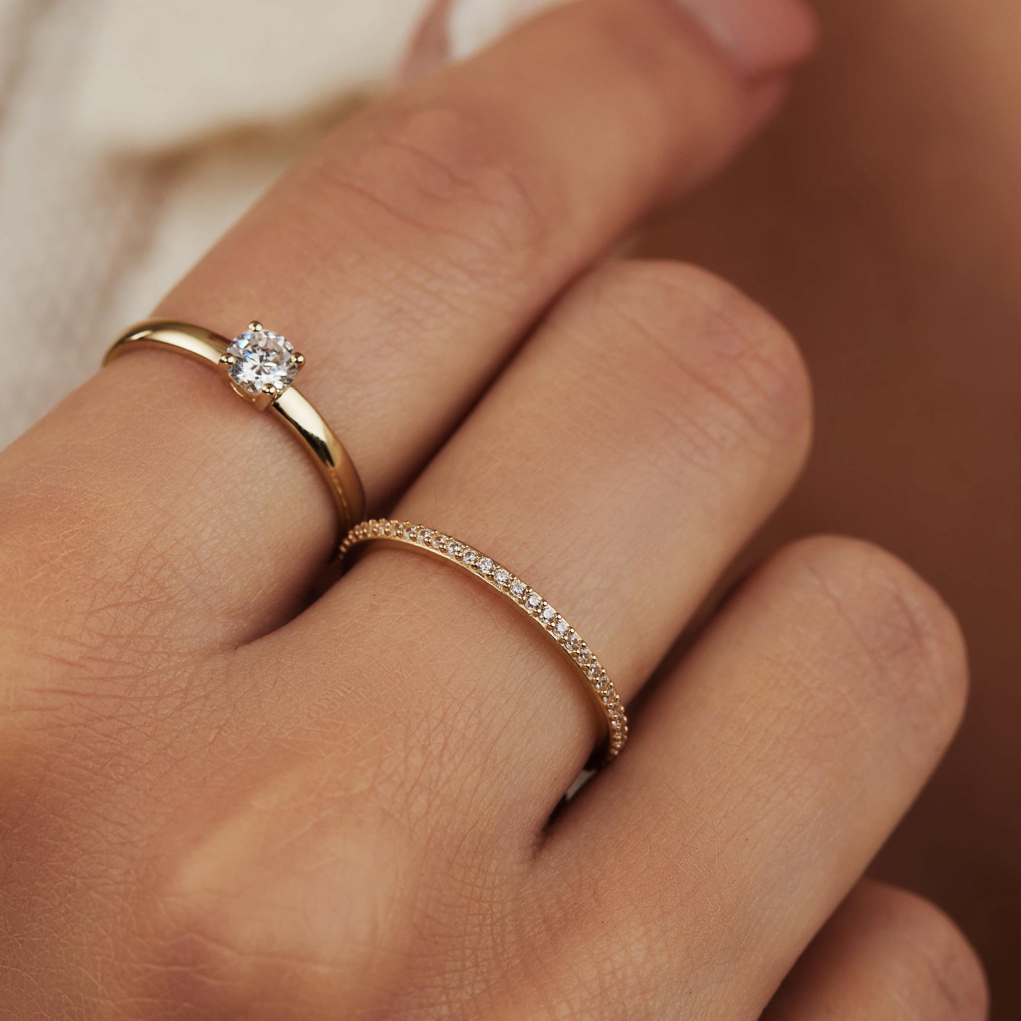 Isabel Bernard Asterope Stones 14 karaat gouden stacking ring met zirkonia