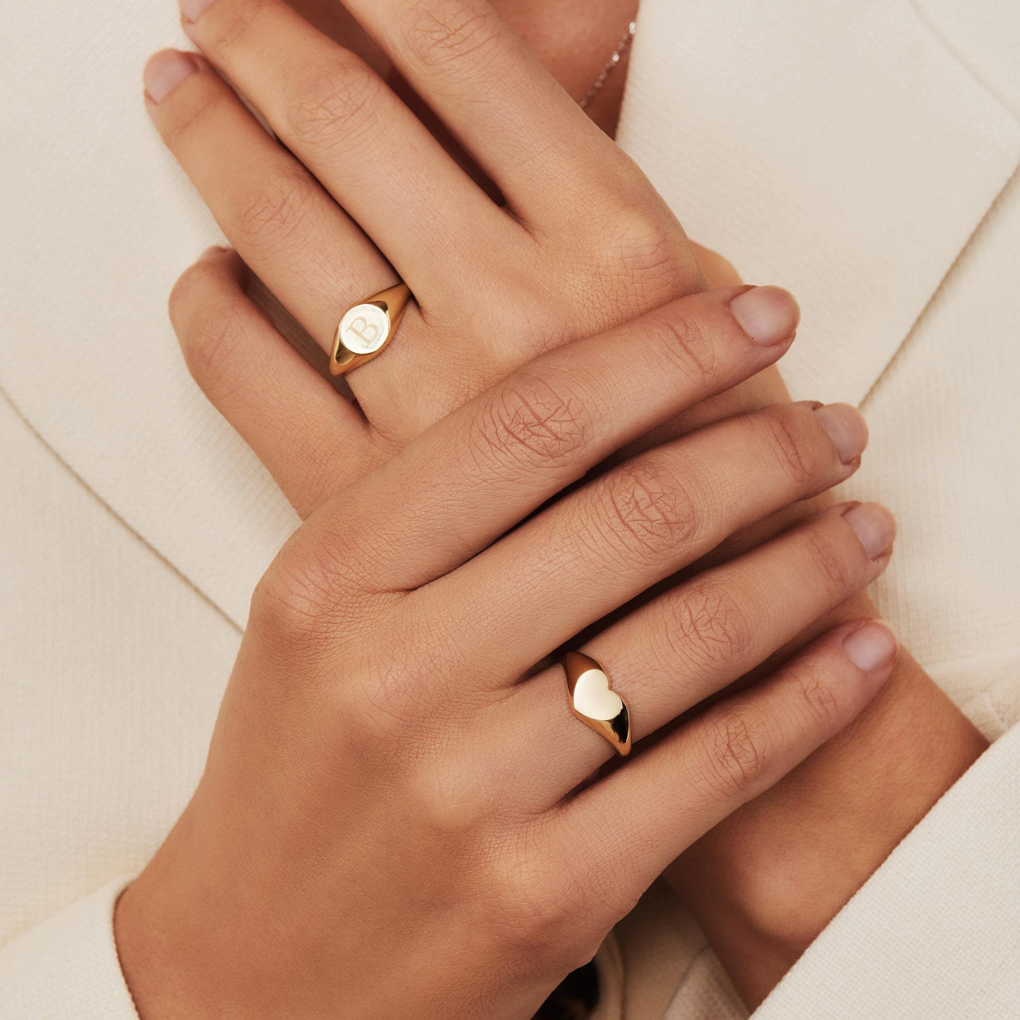 Isabel Bernard Le Marais Lauren 14 karat gold initial signet ring with letter (48)