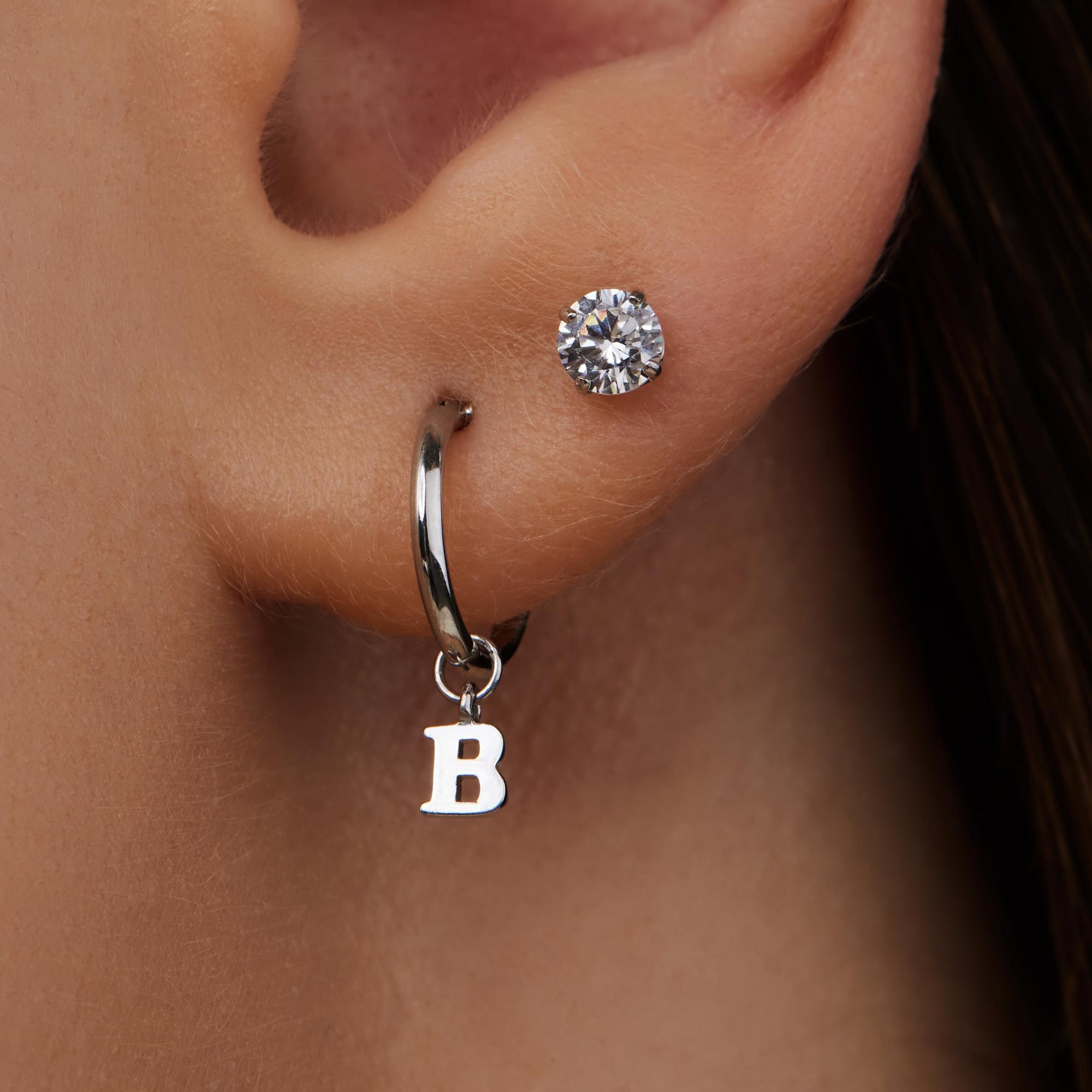 Isabel Bernard Saint Germain de L'Echaudé clous d'oreilles en or blanc 14 carats