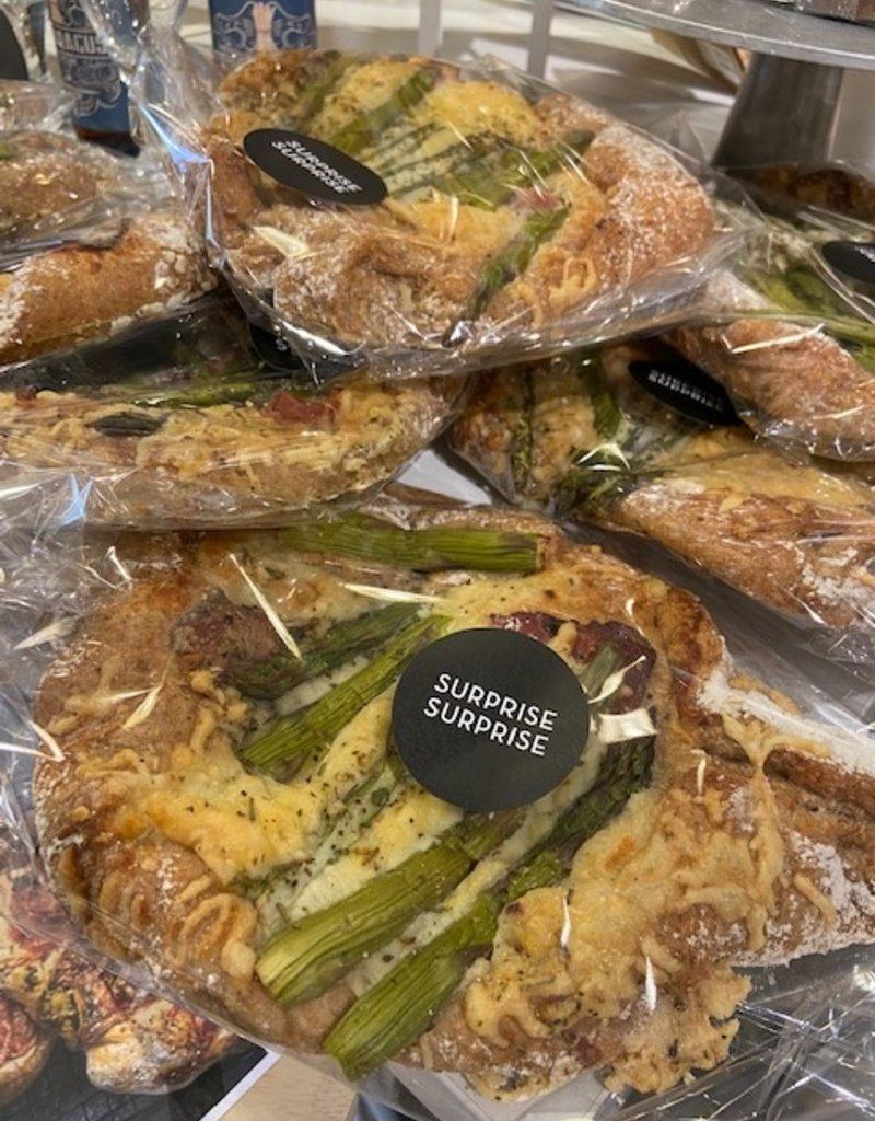 Luscious Loaf Asperge comté