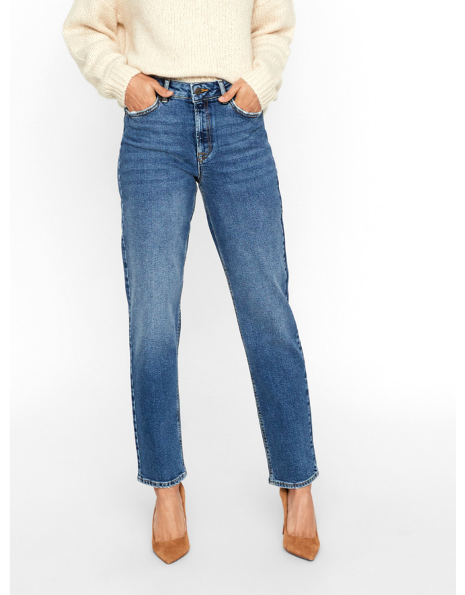 V. W19 SARA RELAXED JEANS LT BLUE