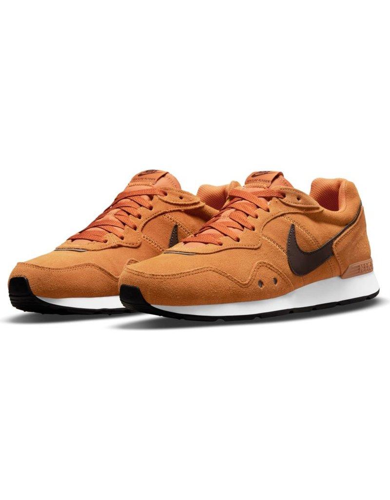 Nike Nike Venture Runner Suede