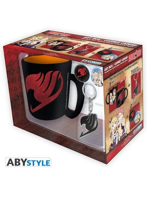 Fairy Tail Gift Set Keychain/ Badges (2) / Mug 460ml