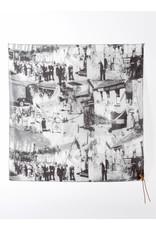 Sjaal uit collectie Bokrijk door Tim Van Steenbergen