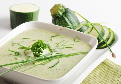 Knoflook courgette soep