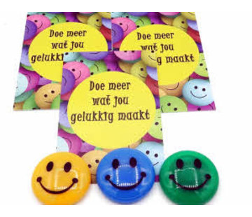 Kaartje met smily magneet-Doe meer wat jou gelukkig maakt