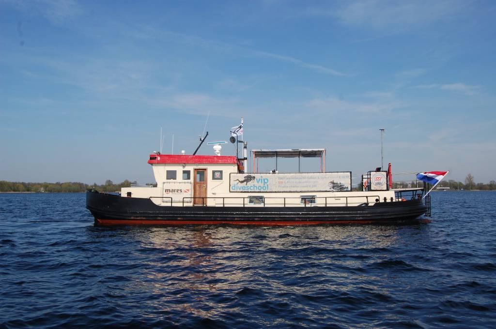 Bootduiken te Vinkeveen met duikschip Susanna
