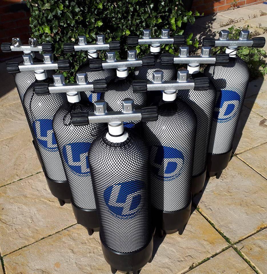 Nieuwe duik cilinders/ duik flessen voor de bootduiken te Vinkeveen!