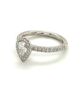 Ring wit goud diamant peerslijpsel