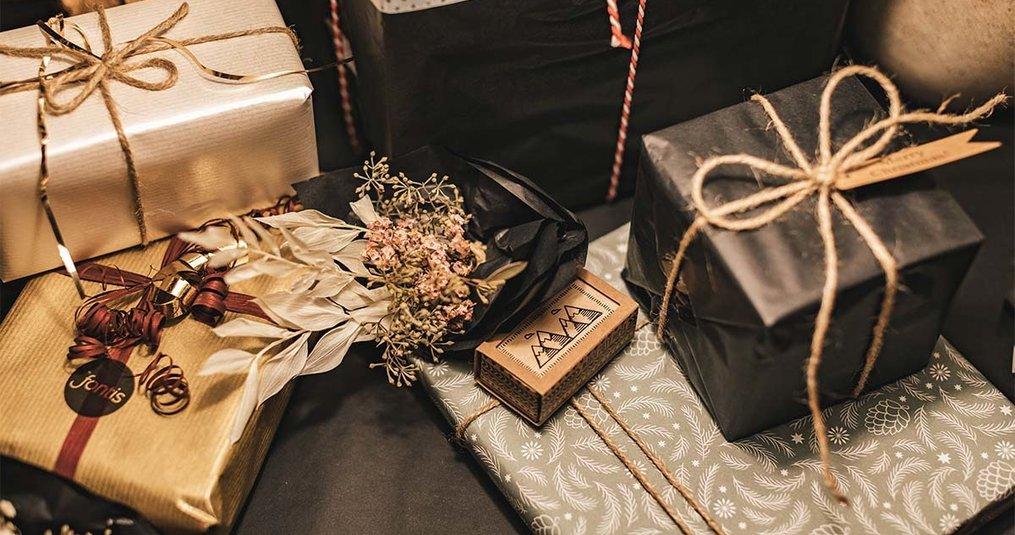 Kerstpakket of een cadeaubon geven aan mijn medewerkers?