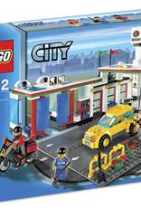 LEGO LEGO 7993 Octan bezine station/ wasstraat CITY