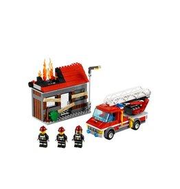 LEGO 60003 Brandweerauto met brandend huis CITY