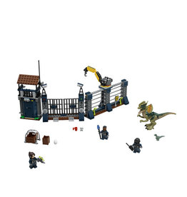 LEGO 75931 Dilophosaurus Outpost Attack Jurassic World
