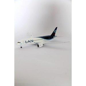 Phoenix 1:200 LAN B787-8