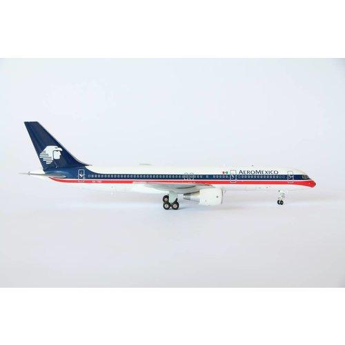 JC Wings 1:200 AeroMexico B757-200