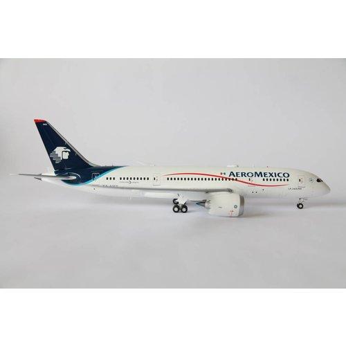 JC Wings 1:200 AeroMexico B787-8