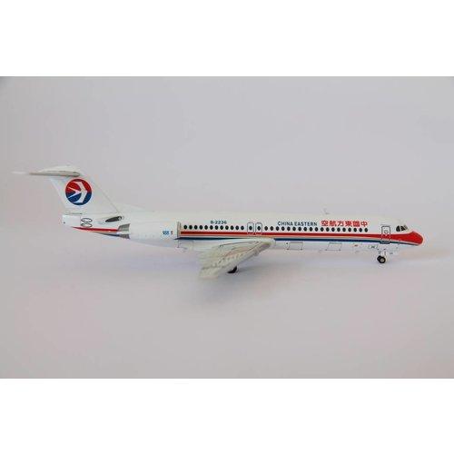 JC Wings 1:200 China Eastern Fokker 100