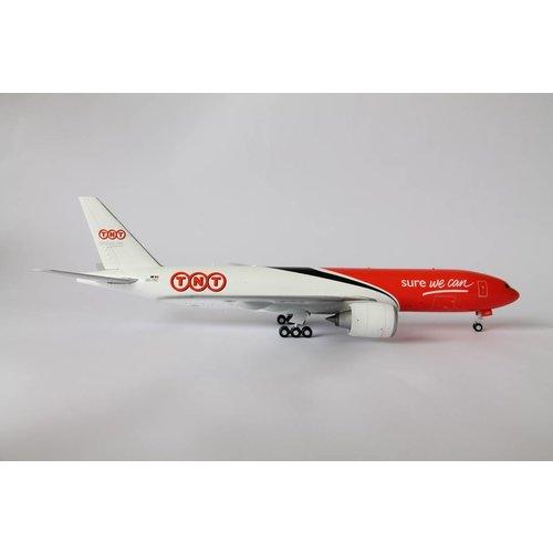 JC Wings 1:200 TNT B777-200F