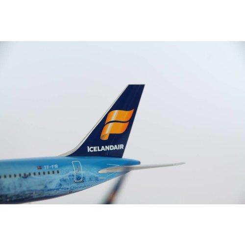 """Gemini Jets 1:200 Icelandair """"Vatnajökull"""" B757-200"""