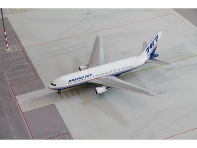 JC Wings 1:200 Boeing House Livery B767-200