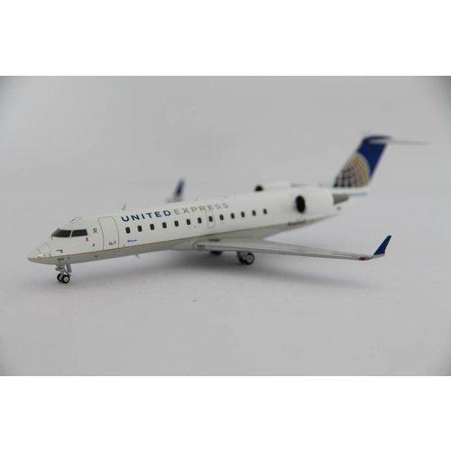 NG Model 1:200 United Express CRJ-200