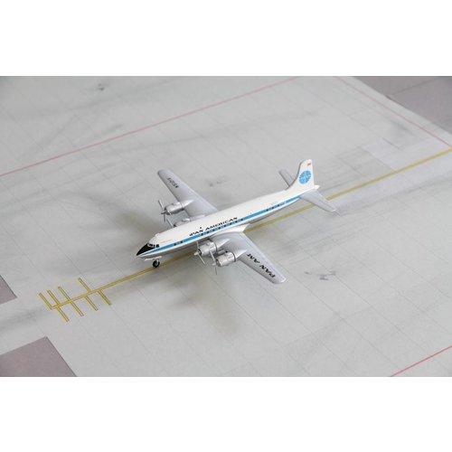 Hobby Master 1:200 Pan Am DC-6