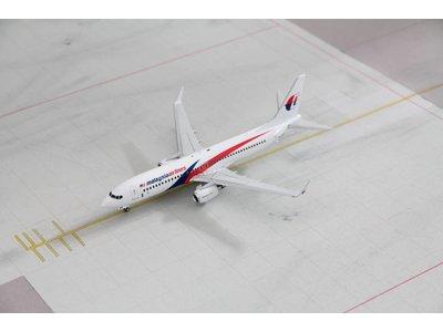 Gemini Jets 1:200 Malaysia Airlines B737-800