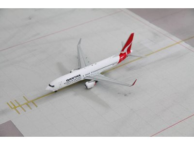 JC Wings 1:200 Qantas B737-800