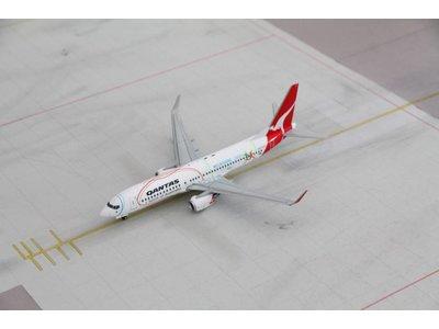 """JC Wings 1:200 Qantas """"Commonwealth Games"""" B737-800"""