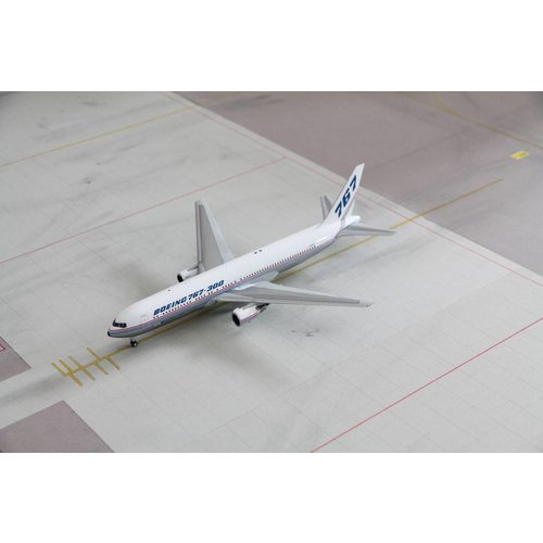 JC Wings 1:200 Boeing House Color B767-300